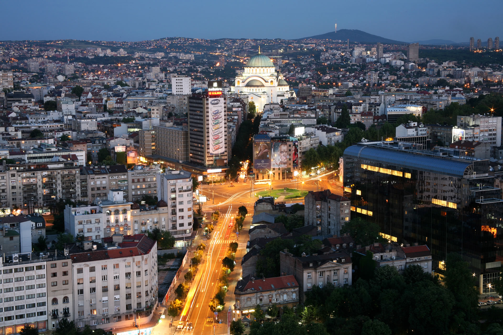 efd368589415b8 slavija square - Slavija Garni Hotel Belgrade